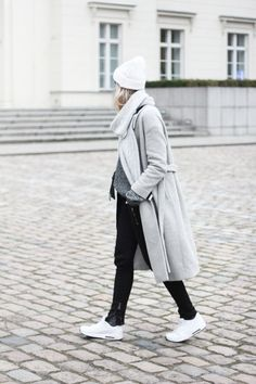 Winter outfit: when in Berlin | COS coat | Sandro beanie | Nike Air Max |