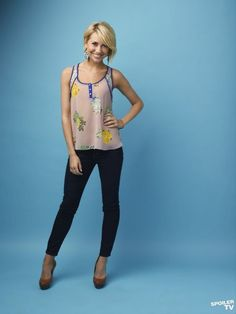 """(Pictured: top, Chelsea Kane as Riley from ABC Family's Baby Daddy, and bottom, Courtney Cox as Monica from NBC's Friends) Possibly my least favorite TV trope is """"Formerly Fat. Baby Daddy Riley, Baby Daddy Show, Spring Outfits, Trendy Outfits, Cool Outfits, Fashion Outfits, Fashion Ideas, Chelsea Kane, Cosplay"""