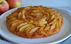 BOLO (OU TARTE FINGIDA) DE MAÇÃ CARAMELIZADA Ingredientes: Para caramelizar as maçãs: – 3 maçãs grandes (usei Royal Gala) – 6 colheres rasas de sopa de açúcar amarelo – 3 colheres de sopa de manteiga – raspa e sumo de 1 limão – canela em pó q.b. Para o bolo: – 60g de manteiga amolecida …