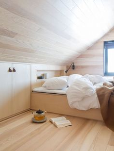 Mountain Cottage, Cabin Design, Scandinavian Home, Cabin Homes, Cool Kitchens, Minimalism, Sweet Home, House Ideas, Loft