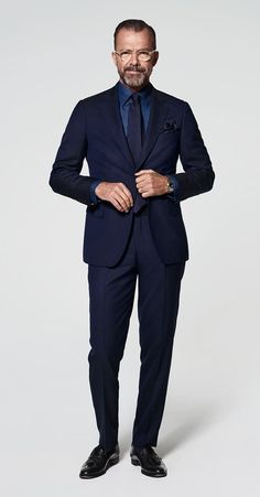 Mens Fashion Blog, Mens Fashion Suits, Mens Suits, Mens Clothing Guide, Gq Mens Style, Suit Supply, Light Blue Dress Shirt, Business Fashion, Business Style