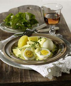 Unser beliebtes Rezept für Eier in Senf-Schnittlauch-Soße und mehr als 55.000 weitere kostenlose Rezepte auf LECKER.de.