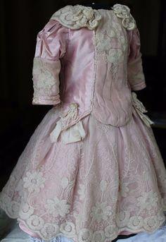 "Pretty silk satin dress for French or German doll  21-22"""