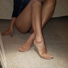 Come on boy, make noise when you suck on my toes. Let me hear how hard you're working #footmodel #footfetish #footqueen #foot #footfetishnation #sexyfeet #prettytoes #footdomination #worship #beautifulfeet #footworshipping #footslave #barefeet #feetlovers#cutetoes #beautifultoes #longtoes#softsoles #wrinkledsoles #toes #footdom #footarch #cutefeet #toespread #instafeet #soles #softfeet #perfectfeet #perfectsoles #classyfeet