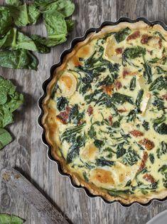 Prepara esta deliciosa quiche de espinacas, queso de cabra y tomate seco, una receta deliciosa y sencilla de preparar.