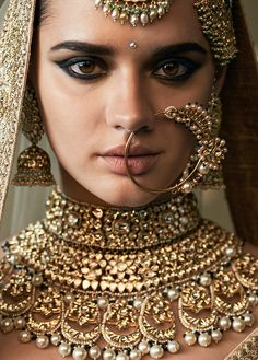 For lovers of movie costumes, Cinderella, Lily James & beautiful fashion. Indian Jewelry Sets, Indian Jewellery Design, Indian Jewelry Earrings, Bridal Jewelry, Indian Photoshoot, Bridal Photoshoot, Indian Bridal Outfits, Pakistani Bridal Dresses, Saris