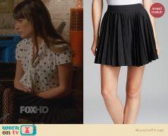 Rachel's black pleated skirt on Glee. Outfit Details: http://wornontv.net/23077 #Glee