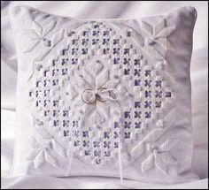 Ring bearer pillow Discountneedlework.com