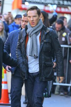 Here's Benedict Cumberbatch To Show You How To Stay Sharp In The Cold - Esquire.co.uk