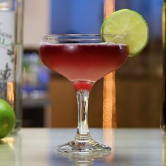 Try These Tasty New Margarita Recipes From Tipsy Bartender Tequila Wine, Margarita Recipes, Cocktail Mix, Cocktail Drinks, Alcholic Drinks, Alcoholic Beverages, Red Wine Cocktails, Margaritas