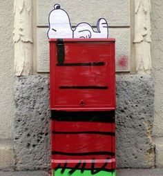 Snoopy in the street