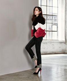 Son Ye-jin (손예진) - Picture @ HanCinema :: The Korean Movie and Drama Database Kpop Fashion, Korean Fashion, Fashion Outfits, Korean Actresses, Korean Actors, Korean Celebrities, Celebs, Jin Photo, Dramas
