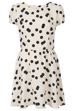 Black & white polka dotted dress #topshop #polkadots