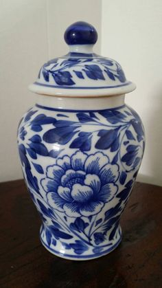 Check out this item in my Etsy shop https://www.etsy.com/listing/222661101/petite-chinoiserie-ginger-jar