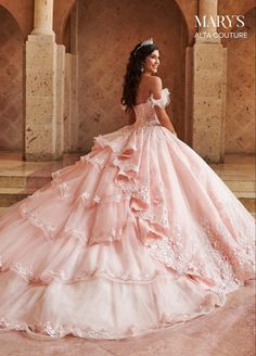 Pretty Quinceanera Dresses, Pretty Dresses, Beautiful Dresses, Sweet 15 Dresses, Lace Ball Gowns, Ball Gown Dresses, Royal Ball Gowns, Pink Ball Gowns, Vintage Ball Gowns