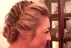 How to: French Fishtail. This is so Elsa's hair from Frozen.