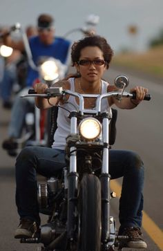 ❤️ Women Riding Motorcycles ❤️ Girls on Bikes ❤️ Biker Babes ❤️ Lady Riders ❤️ Girls who ride rock ❤️TinkerTailorCo ❤️ ❤️ Women Riding Motorcycles, Female Motorcycle Riders, Bobber Motorcycle, Motorcycle Girls, Bobber Bikes, Lady Biker, Biker Girl, Harley Davidson, Chicks On Bikes