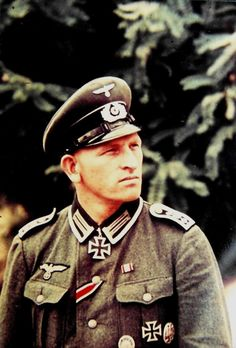 Oberfeldwebel Otto Brakat http://www.historicalwarmilitariaforum.com/topic/6937-ritterkreuztr%C3%A4ger-photos-in-color-thread/
