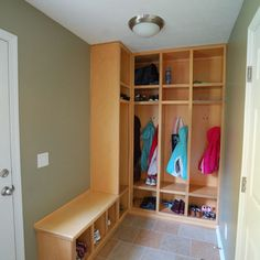 L shaped mud room.