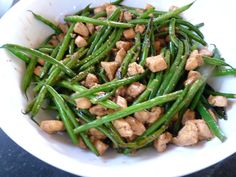Chicken and Green Bean Stir Fry - I added a pinch of balsamic vinegar to the mix, lots more garlic, and tweaked the ingredients to taste, but this is DELICIOUS Asian Recipes, Healthy Recipes, Diet Recipes, Chicken Broccoli Stir Fry, Chicken Green Beans, Appetizer Salads, Asian Cooking, I Love Food, Chicken Recipes