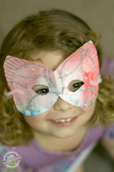 Paper Plate Mask. DIY Halloween Mask Crafts for Kids, which are embellished in rich colors and fine design. They are perfect props for Halloween pretend play which fosters imagination and creativity in children.