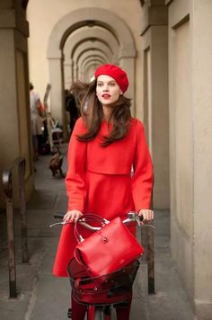 #red coat #beret #bike style