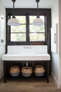Modern Farmhouse Laundry Room Decor Ideas - Page 16 of 68 Interior, Laundry Room Decor, Home Decor, Apartment Bathroom, Modern Bathroom, Modern Farmhouse Bathroom, Bathrooms Remodel, Bathroom Design, Bathroom Decor