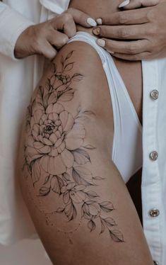 Side Hip Tattoos, Hip Thigh Tattoos, Dope Tattoos, Girl Tattoos, Side Thigh Tattoos Women, Back Thigh Tattoo, Tattos, Woman Tattoos, Tattoo Girls