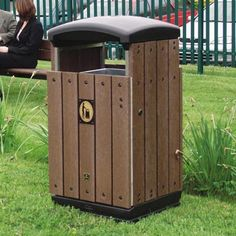 The Enviropol 100 outdoor litter bin is made from 100% recycled materials. An extremely robustly–designed container, its style suits external natural surroundings such as attraction parks. #GlasdonUK #ExternalLitter #Bins