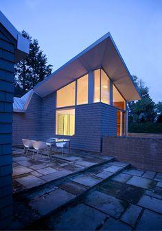 Edges brick house Renovated House Inspiring An Ever Fresh Feel in Bay Village, Ohio