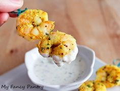 Easy Indian Spiced Shrimp with Yogurt, Garlic and Cilantro Dipping Sauce (Garlic and Cilantro Raita). DONE ok but somehow it didn't taste too Indian yet I tasted it all day. Popular Recipes, Great Recipes, Favorite Recipes, Yogurt Sauce, India Food, High Protein Recipes, Keto Recipes, Healthy Recipes, Indian Dishes