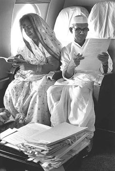 "The birth anniversary of Lal Bahadur Shastri, India's second Prime Minister, also falls on October This picture of him with his wife - who is in a simple cotton saree and blouse worn ""UP style"" -. Rare Pictures, Rare Photos, Old Photos, Vintage Photos, Family Pictures, Vintage India, History Images, History Facts, Art History"