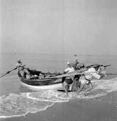 Algarve, Portugal, Vintage Photographs, Boat, Beautiful, Littoral Zone, Nooks, Pastor, Boats