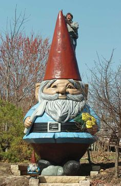 WORLD'S LARGEST CONCRETE GNOME!! Ames, IA. (I most definitely WILL see this one.)