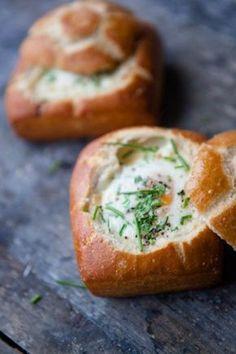 """Gebackene Eier im Brötchen – """"Oeufs en petit pain"""""""