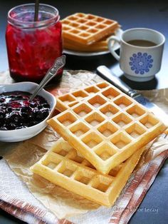 Food Inspiration, Food And Drink, Cooking, Breakfast, Sweet, Recipes, Waffles, Essen, Recipies