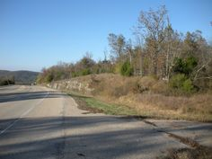 1000 FT OF HIGHWAY 62/412 FRONTAGE-CITY WATER, ELECTRIC POWER, MOUNTAIN VIEWS. COMMERCIAL OR RESIDENTIAL -GREAT LOCATION. ACROSS HIGHWAY FROM BEST WESTERN MOTEL in Hardy AR