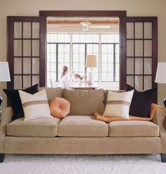 Use contrast when choosing pillows and throws