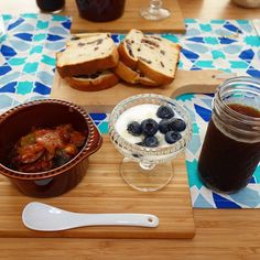 朝ごはんはぶどうパン昨日の残りのラタトゥイユヨーグルトフレンチプレスのアイスコーヒー(-)/ #meallog #food #foodporn