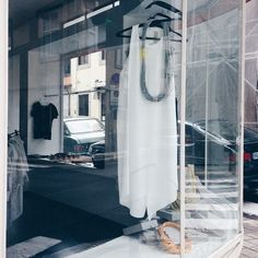 wek : play necklace : grey strings and yellow lock . @scarid5 storefront . #wekbrand #scaridstore #carlapontes white dress .