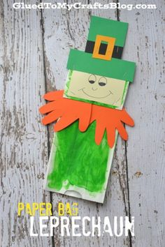 Paper Bag Leprechaun {Kid Craft} St Patrick's Day Pretend Play Piece - St Paddy's Day Imaginative Play - Storytime Craft Idea - Handprint Beard - St Patty's Day DIY Cute idea for speech therapy! Paper Bag Crafts, Paper Crafts For Kids, Crafts For Kids To Make, Diy Paper, Art For Kids, Preschool Crafts, Daycare Crafts, Preschool Christmas, Easter Activities