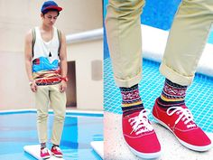 nothing like Red Keds! Red Keds, Best Tank Tops, Brand Sale, My Socks, Canvas Sneakers, Dapper, Mens Fashion, Street Fashion, Fashion Trends