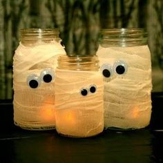 Fun Halloween party idea. I have tons of Mason Jars, just needs the eyes and gauze...great idea, both kids and their friends would enjoy this one.