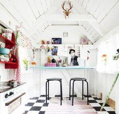Interior: Cute shelves + Play kitchen
