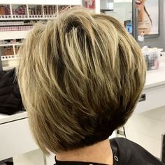 Love doing cuts like this!! #highlights #bob #stackedbob #hairstylist #kchair #kchairstylist #modernhair #olaplex #idohair #ulta #salonatulta #ultabeauty #kcmo
