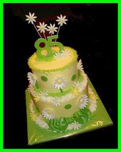 85th Birthday daisy cake by atasteofwhimsy, via Flickr