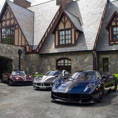 The Pagani Huayra - Super Car Center Pagani Huyara, Pagani Huayra Bc, Blue Grey, Red Black, Cars And Coffee, Carbon Black, Car In The World, Dream Garage, Black Accents