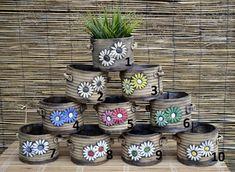 Květníček JARO / Zboží prodejce Ateliér MIG | Fler.cz Pottery Pots, Flower Pots, Flowers, Pottery Studio, Terracotta, Garden Design, Diy And Crafts, Planter Pots, Clay