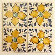 ポルトガルアンティーク風タイル 10x10 薄 01 - チュニジア - MANGOROBE   マンゴロベ Tile, Design, Mosaics, Tiles, Backsplash