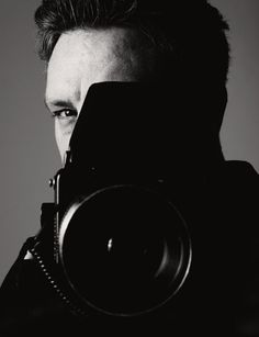 Renowned photographer Rankin is calling on people across the UK to take part in a charity exhibition in which he will attempt to shoot their portrait and have it put on display in minutes'. Photographer Self Portrait, Professional Photographer, Famous Photographers, Portrait Photographers, Rankin Photography, San Francisco Photography, Portraits, Taking Pictures, Black And White Photography